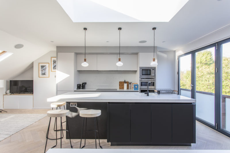 Modern kitchen design, Balham with island and minimalist fitted furniture. Made by Brayer Design in collaboration with MWB London