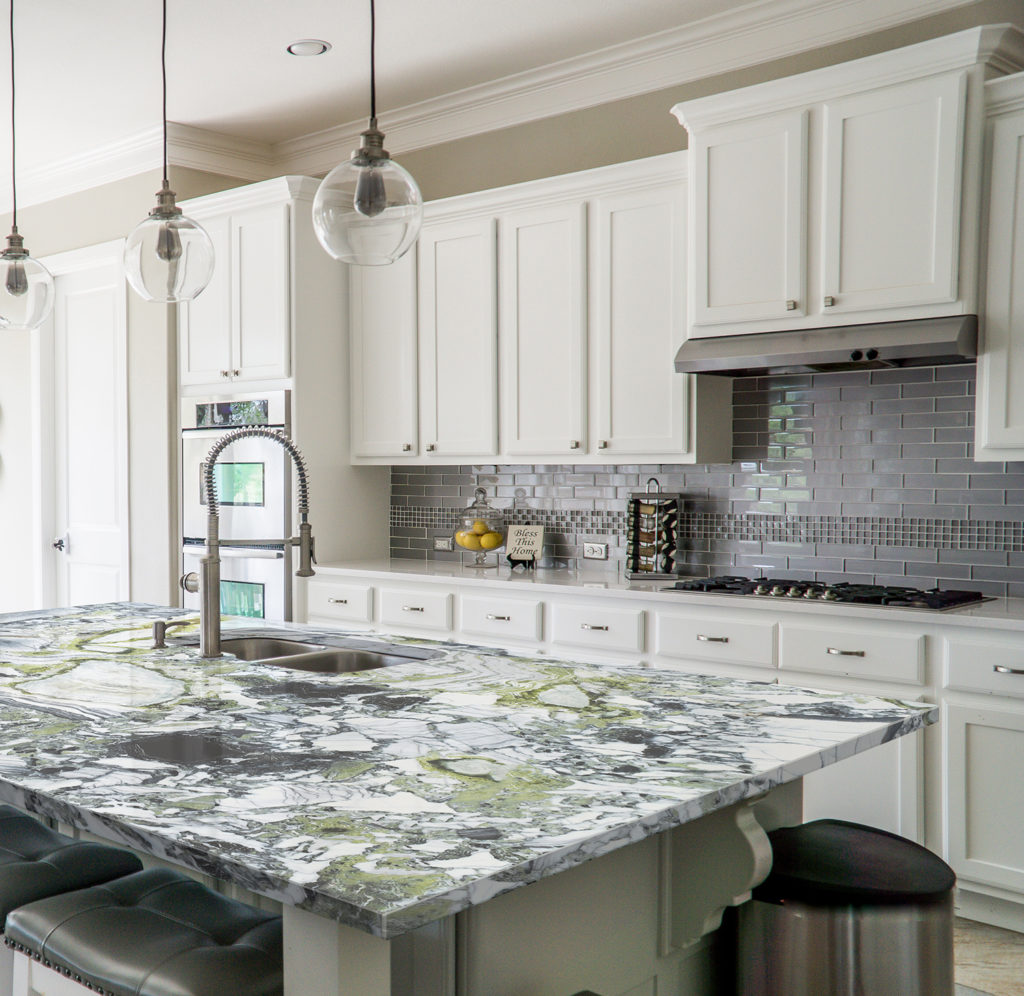 White Beauty Island Worksurface for Traditional Kitchen