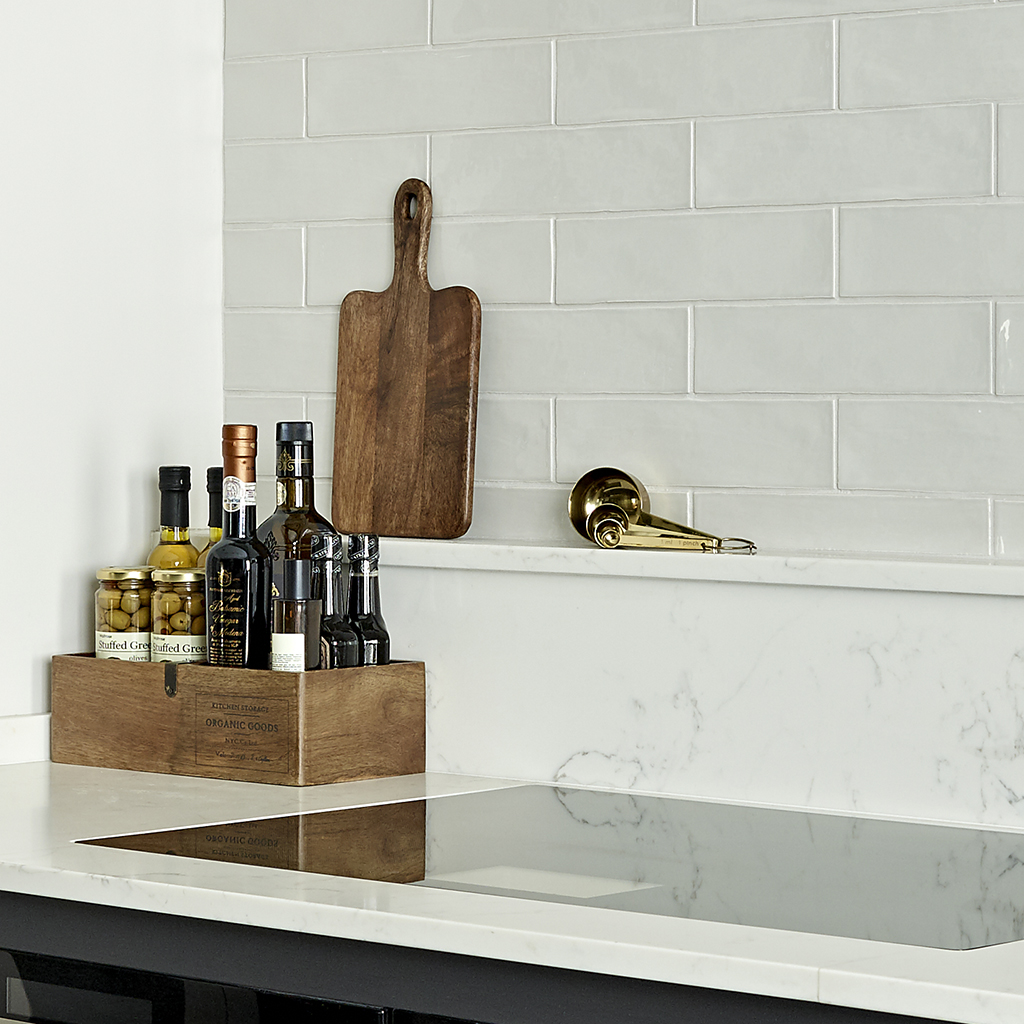 Carrara Veneto Marble Composite Worktops by Konigstone for Dark shaker kitchen design
